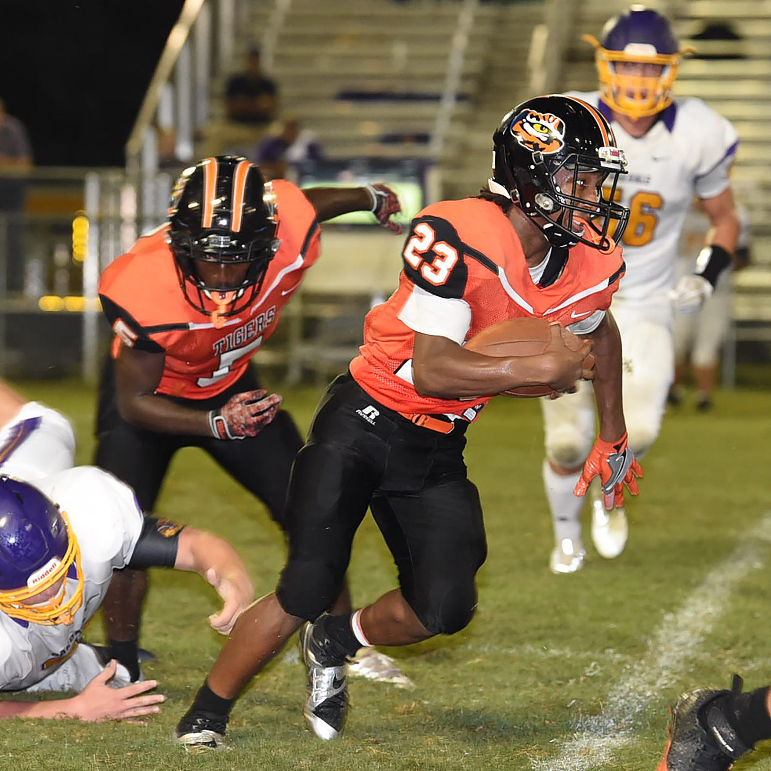 Opelousas runs over Oakdale for third straight victory