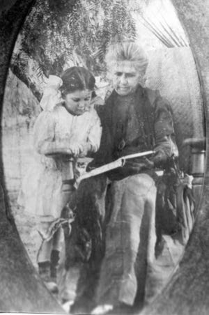 Marjorie Forline with grandmother Emily McCallum c.1909