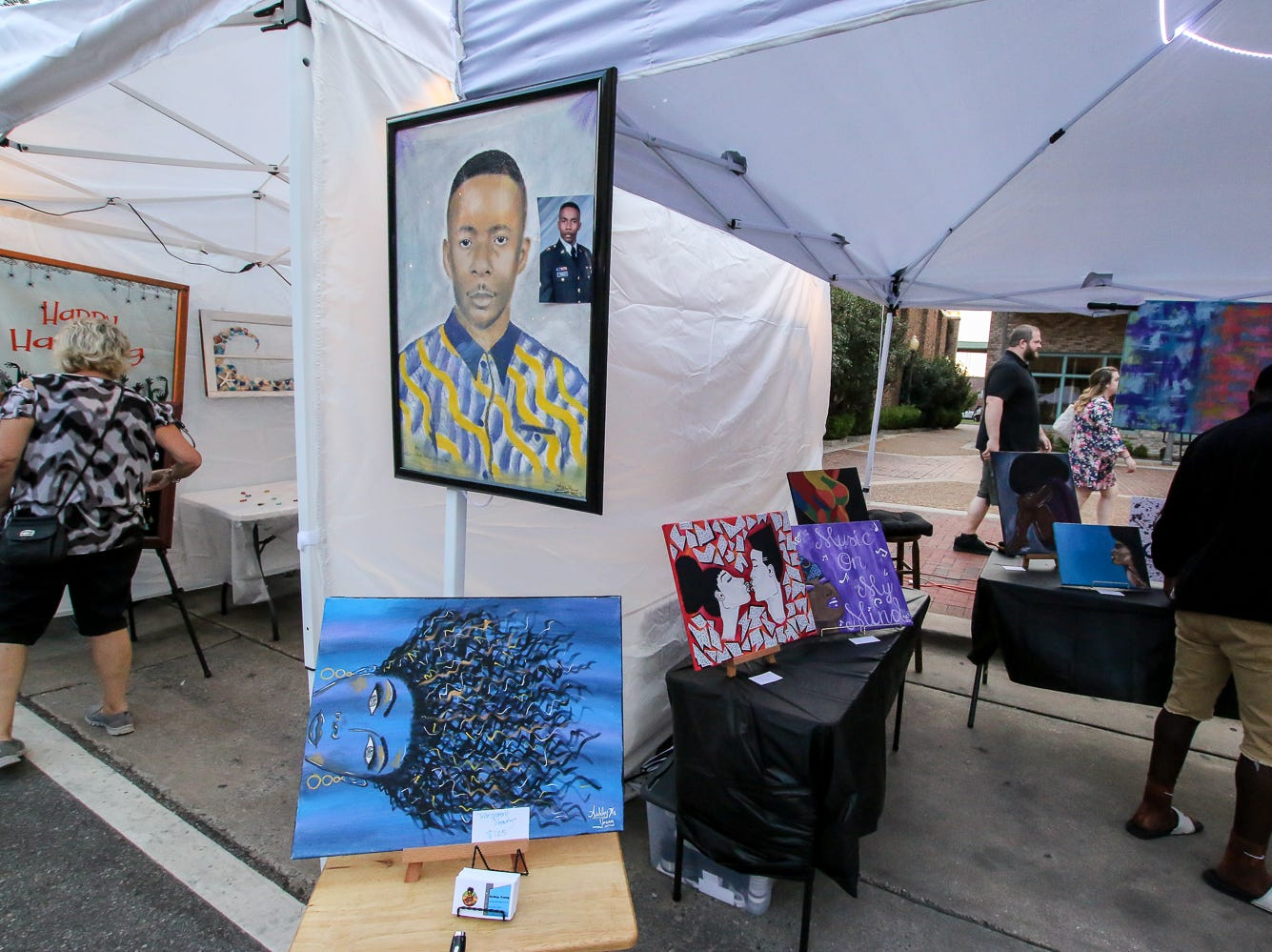 Scenes from Gallery Night on Friday, Sept. 21, 2018.