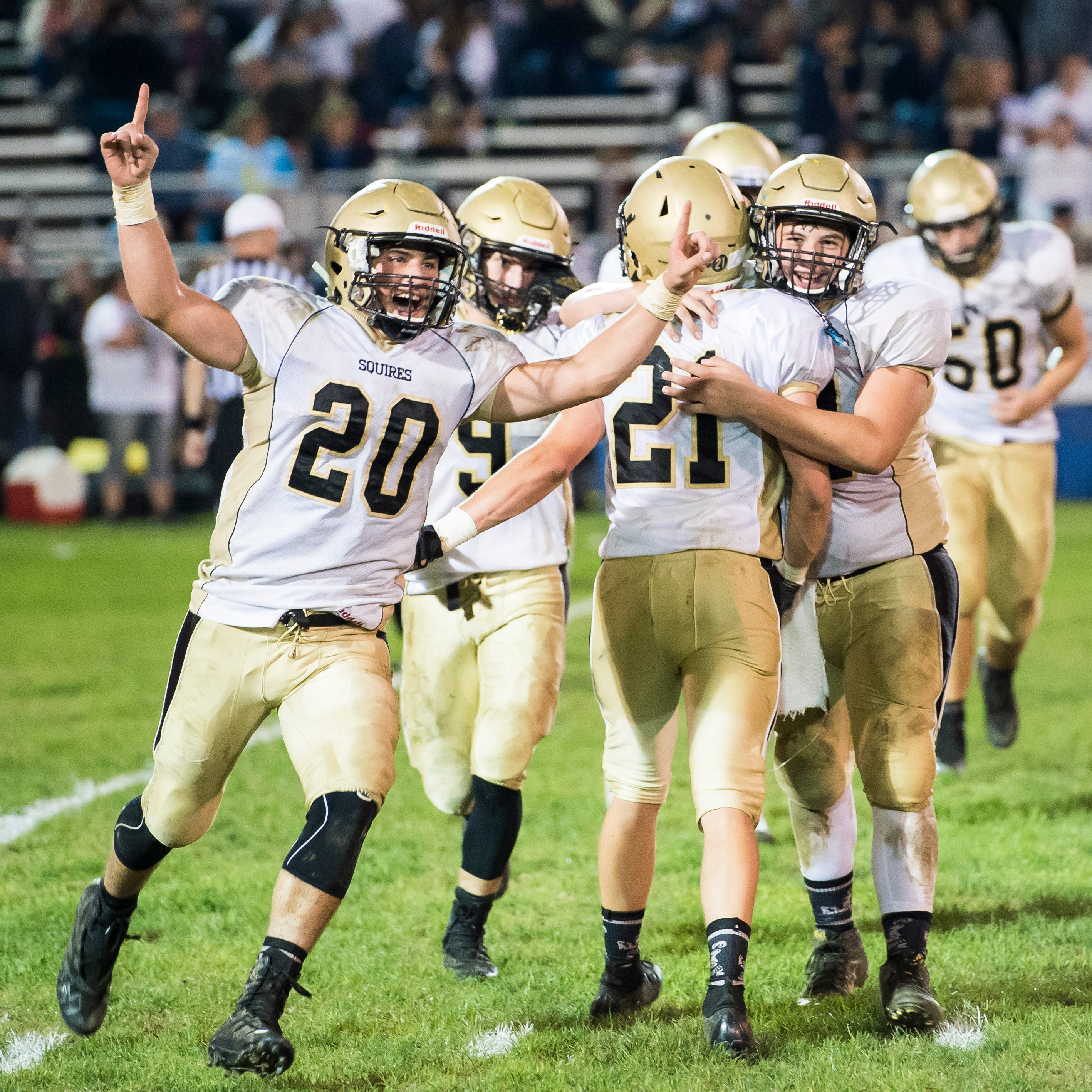 Delone Catholic football stymies Littlestown to stay perfect on the season