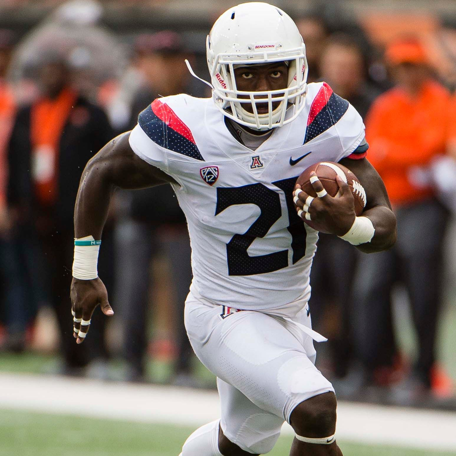 Arizona Wildcats discover running game, pound Oregon State