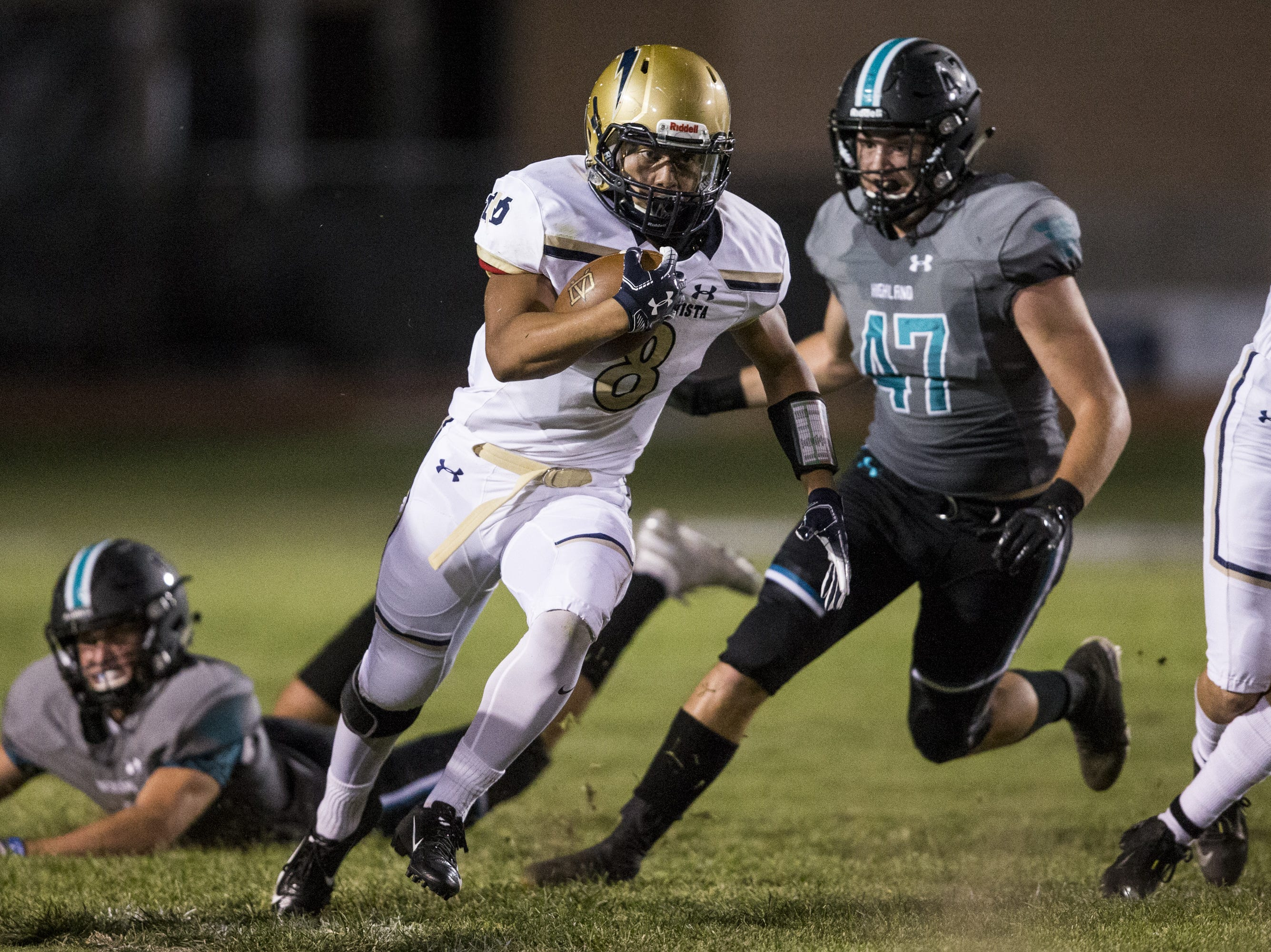 Desert Vista's Tyson Grubbs rushes against Highland in the 1st quarter on Friday, Sept. 21, 2018, at Highland High School in Gilbert, Ariz.   #azhsfb