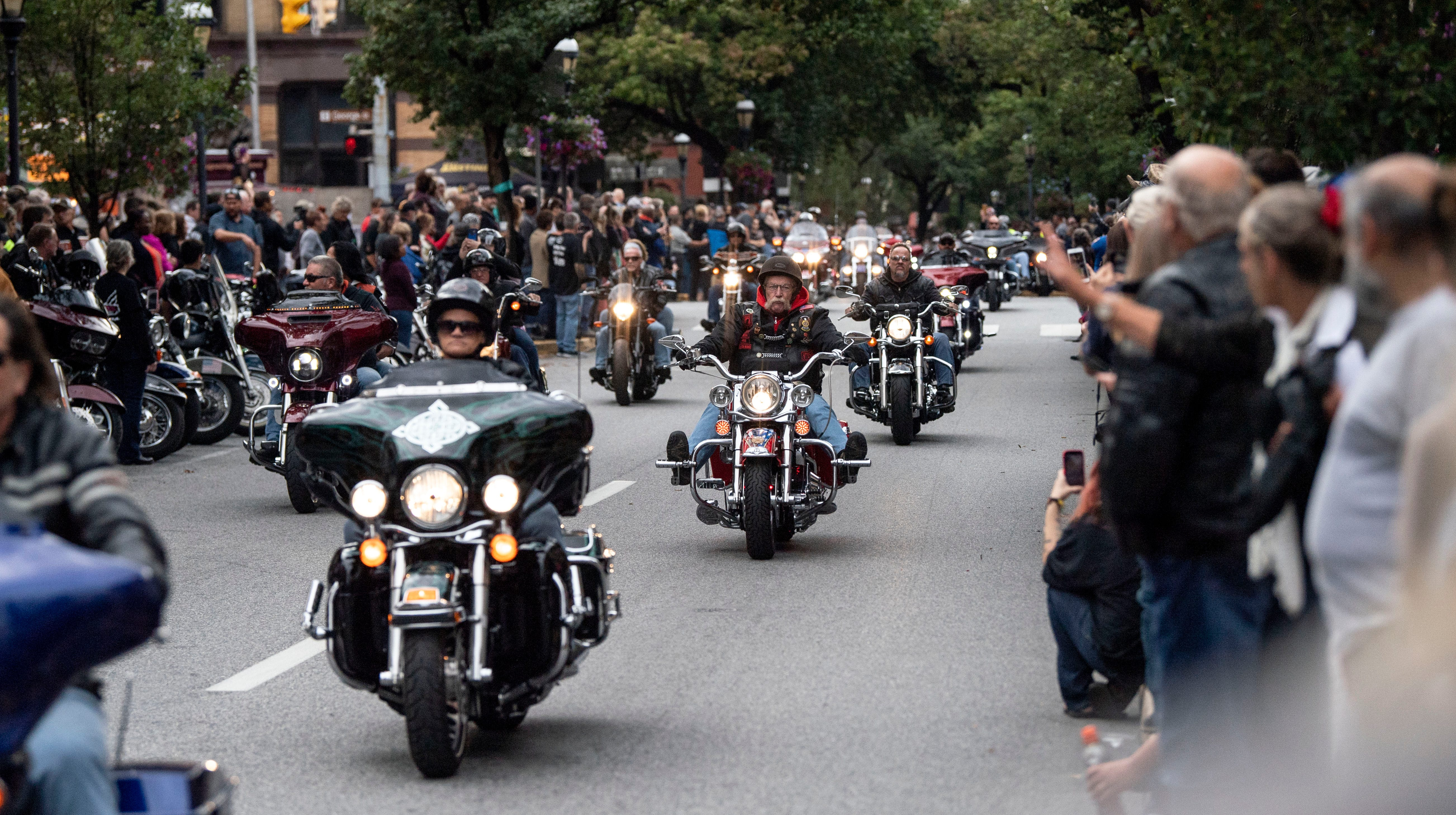 24th York Bike Night brings hundreds of motorcycle enthusiasts to city