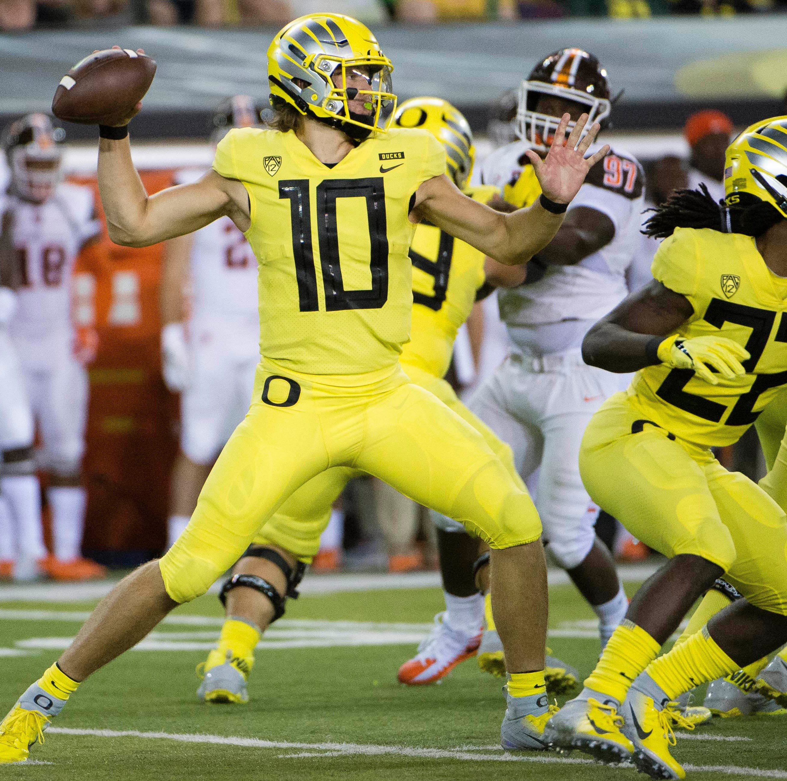 Live updates: Oregon Ducks trying to hang on against Stanford