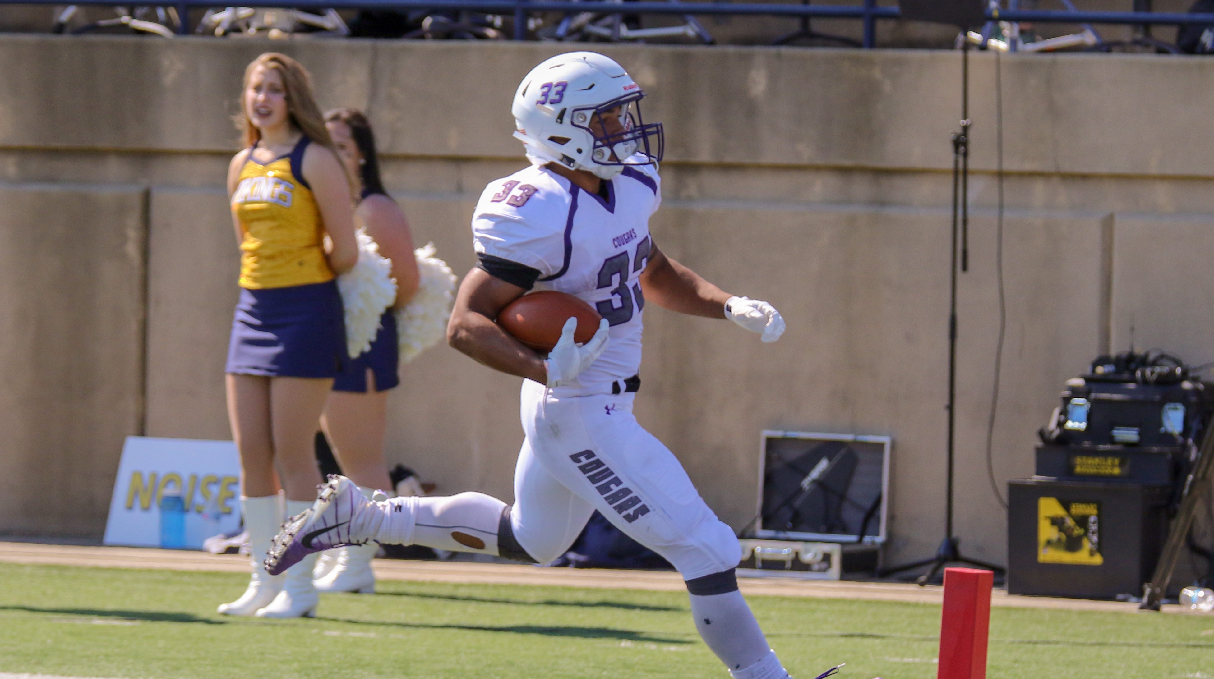 Gabe Watson rushes for USF record 320 yards as Cougars rout Moorhead