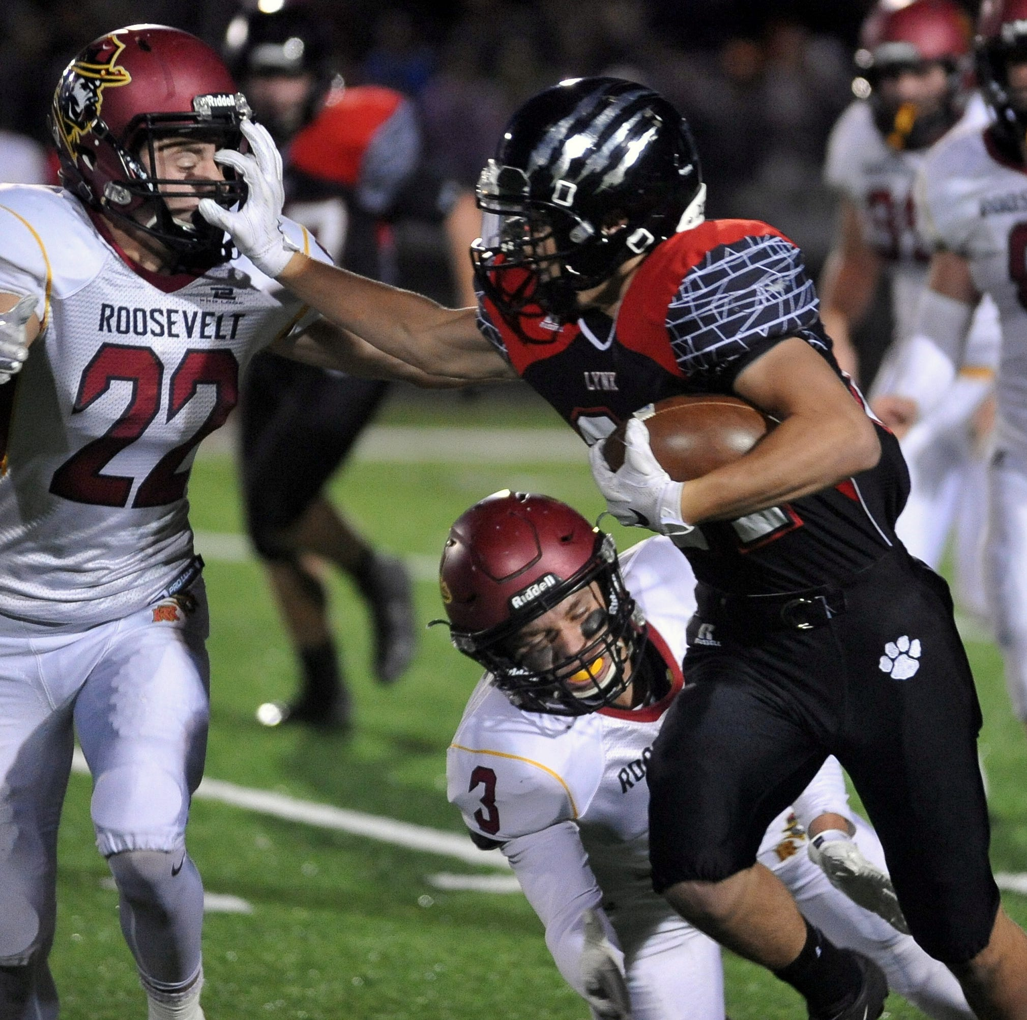 Lynx fall to top-ranked Roosevelt in football