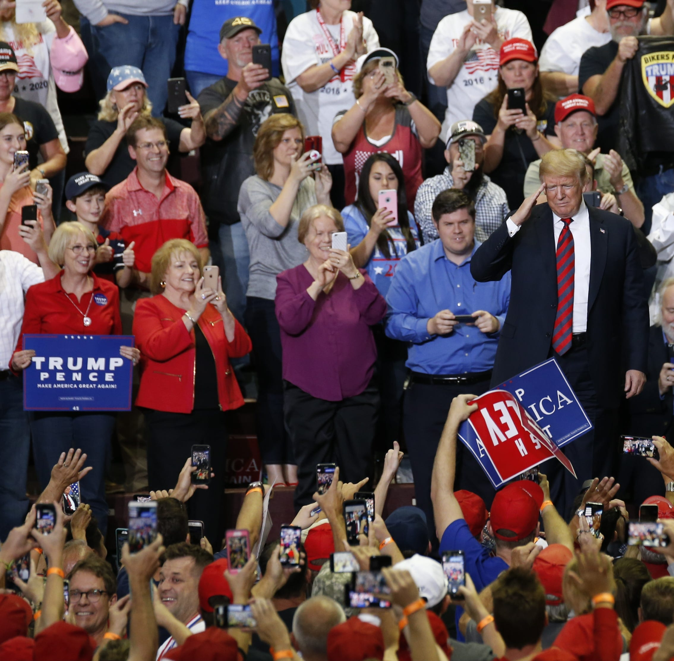 Live: Trump takes the stage in Springfield
