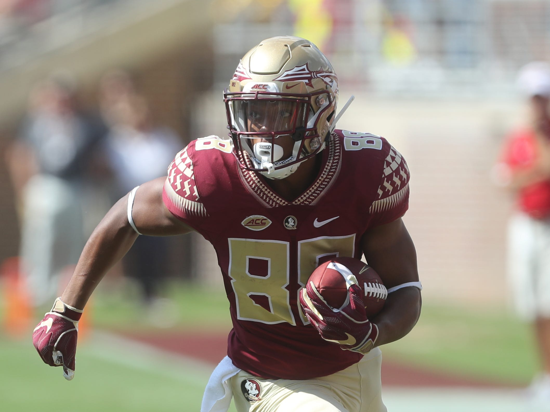 Florida State Seminoles wide receiver Nyqwan Murray (8) runs the ball during a game between the Florida State University Seminoles and the Northern Illinois University Huskies at Doak S. Campbell Stadium in Tallahassee, Fla. Saturday, September 22, 2018.