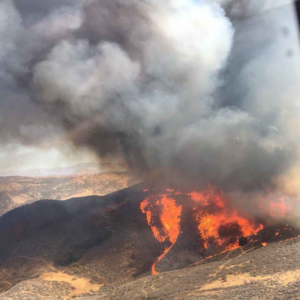 Crews mobilize to fight Charlie Fire near Castaic