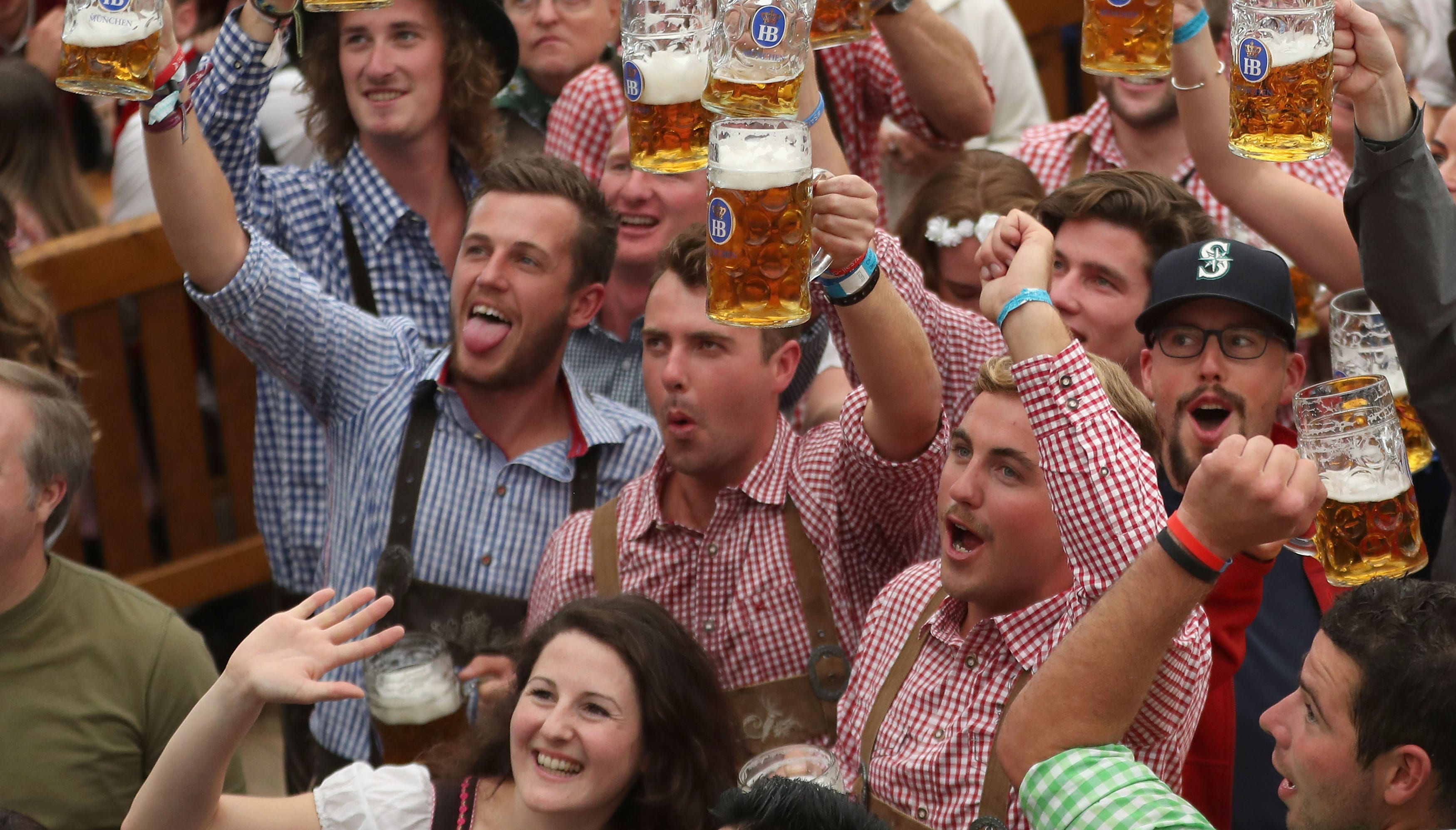 Beer flows as first day of Oktoberfest 2018 opens in Munich
