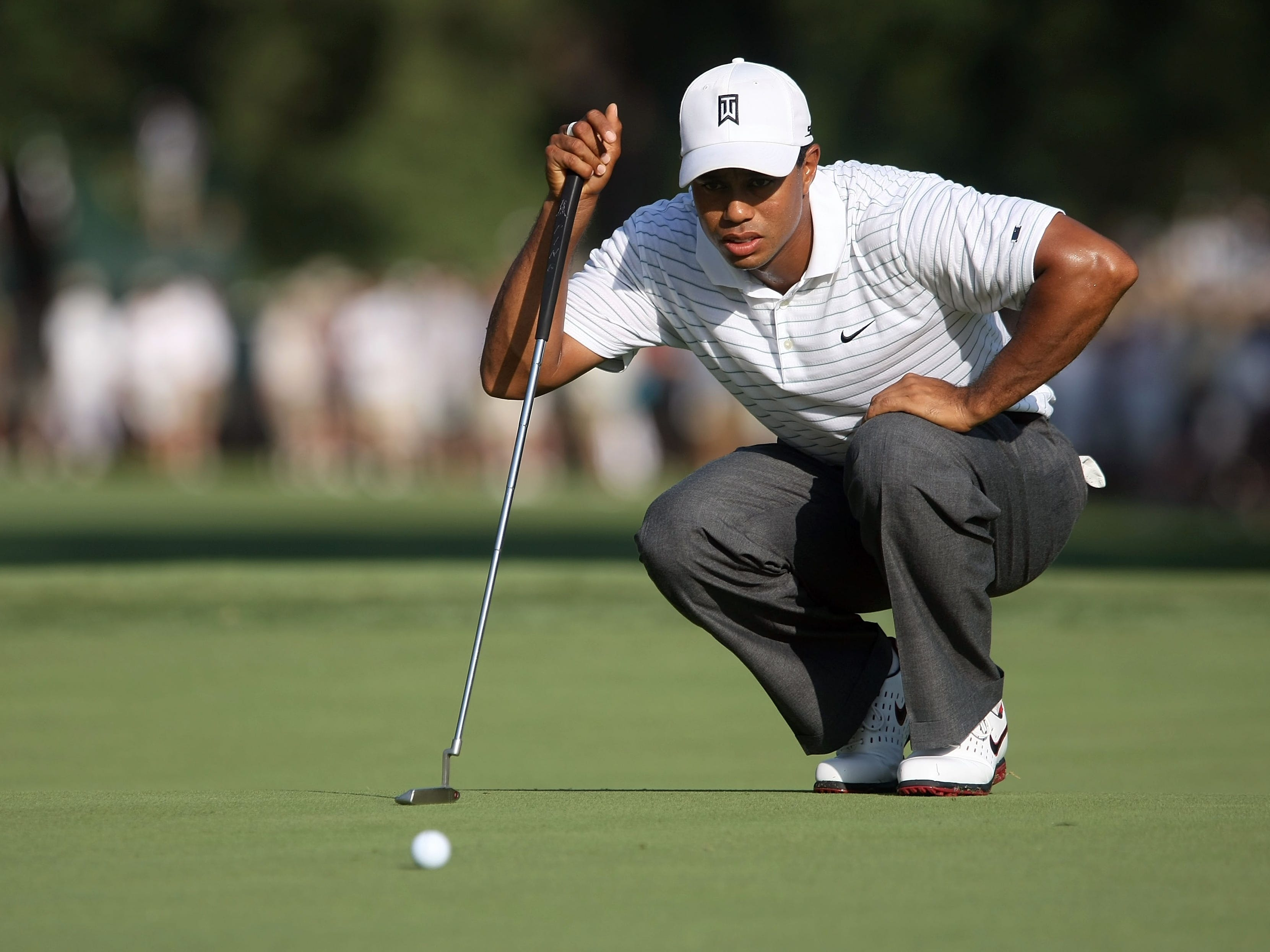 In July 2007, Tiger Woods ruptured his ACL while running on a golf course after the British Open. He goes on to win five of his next six tournaments, including the PGA Championship (shown here).
