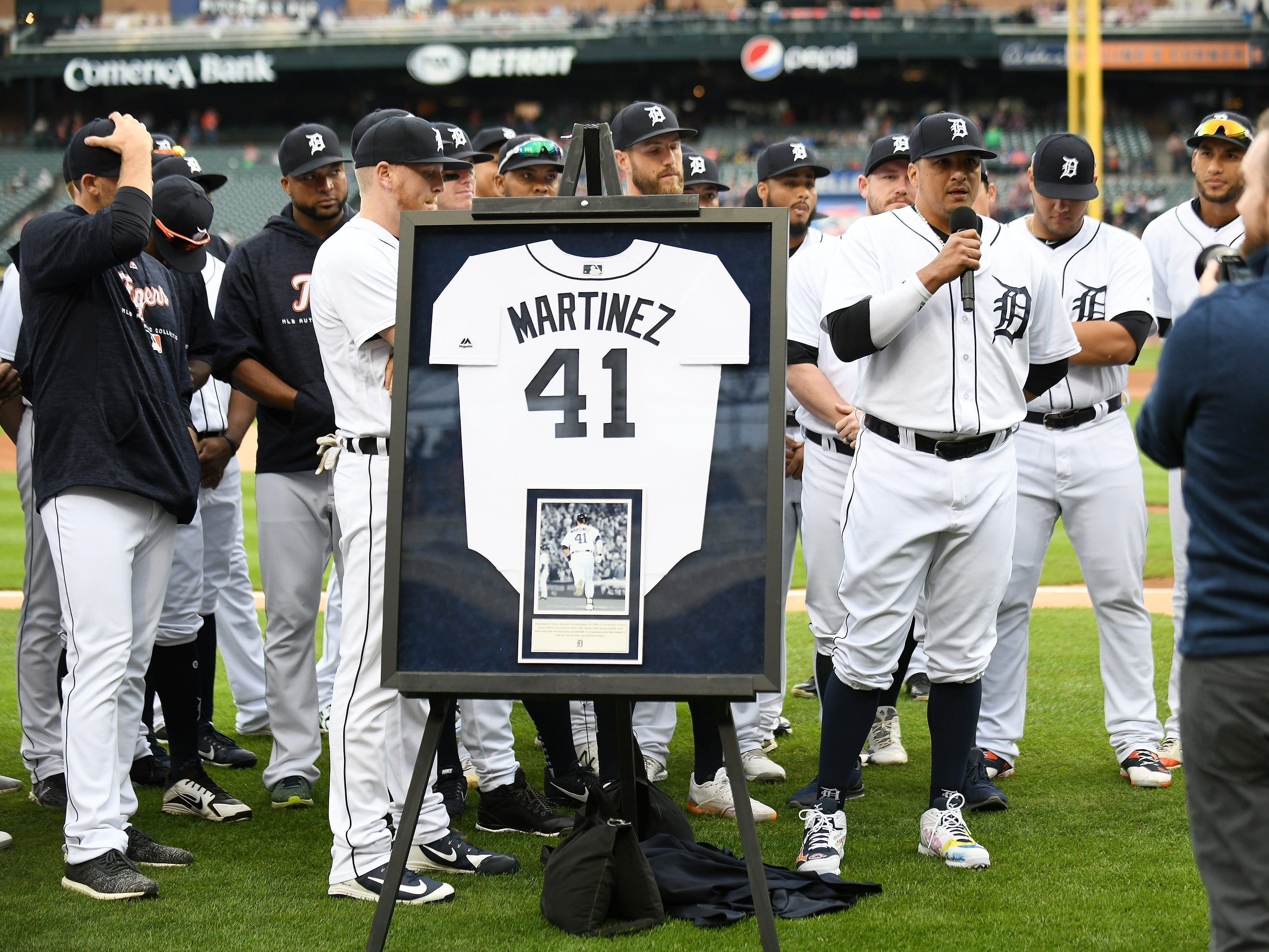 Victor Martinez thanks the fans during his special tribute ceremony.