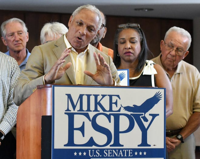 Former Congressman and U.S. Secretary of Agriculture Mike Espy speaks to Hattiesburg, Mississippi, residents on his campaign for U.S. Senate at the Hattiesburg Train Depot on Sept. 23, 2018.