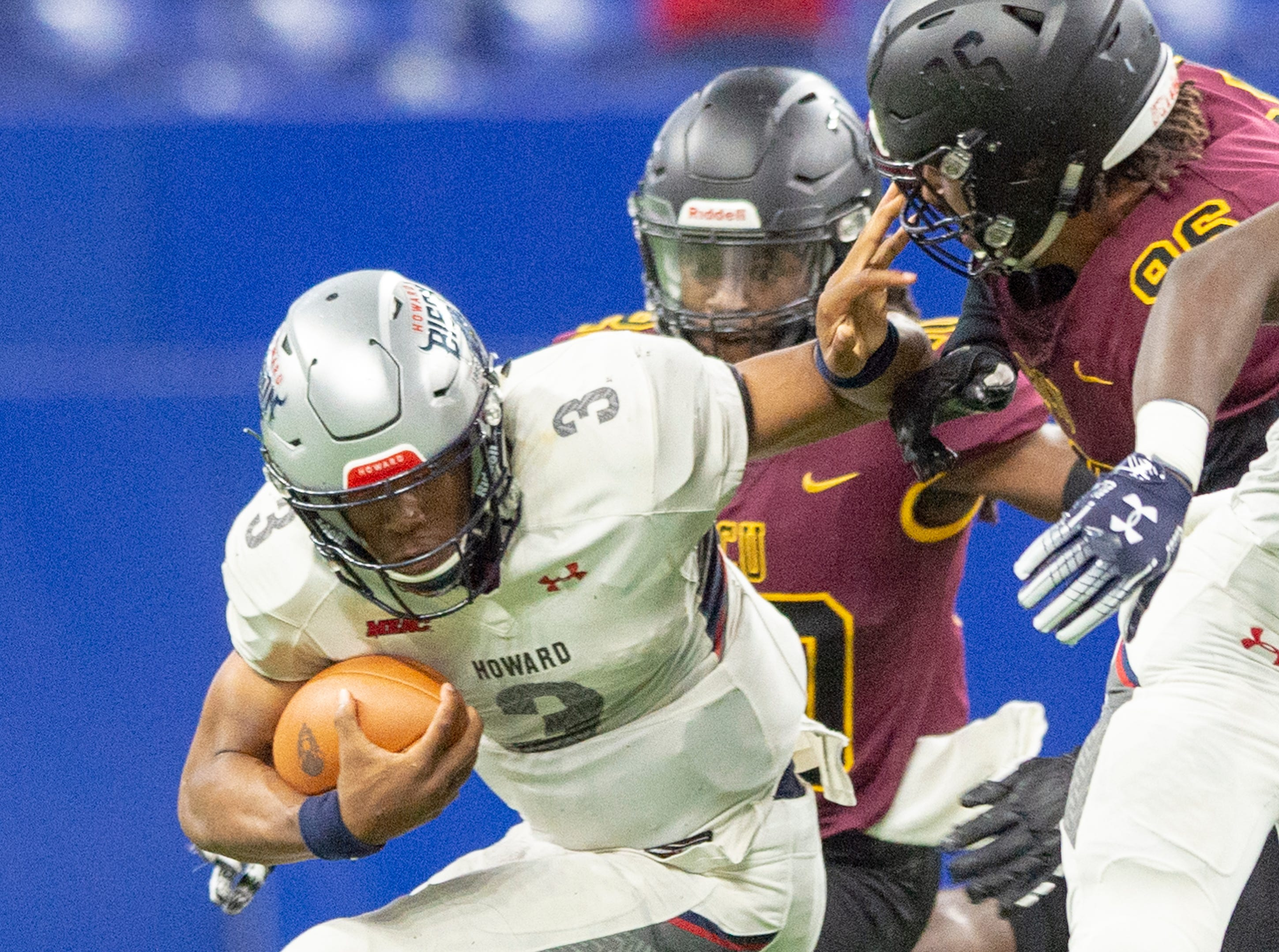 Howard Bison quarterback Caylin Newton (3) scrambles out of the backfield during the first half of action. Howard Bison took on Bethune Cookman Wildcats in the Circle City Classic game, Saturday, Sept. 22, 2018, at Lucas Oil Stadium.