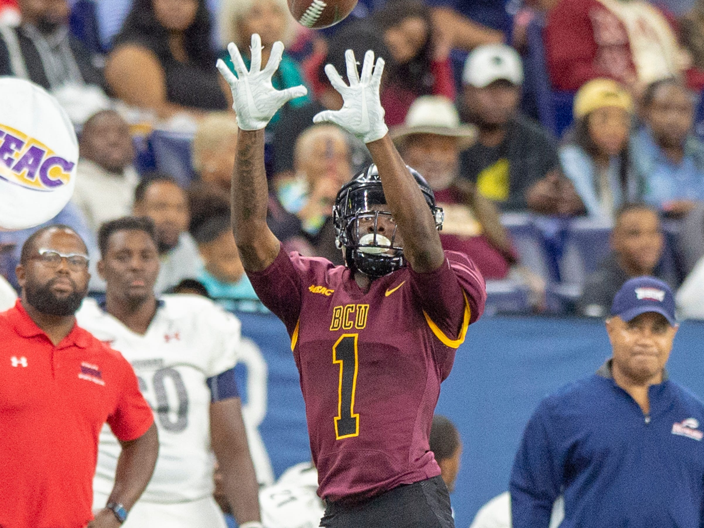 Bethune Cookman Wildcats wide receiver Keavon Mitchell (1) goes after a pass reception during the first half of action. Howard Bison took on Bethune Cookman Wildcats in the Circle City Classic game, Saturday, Sept. 22, 2018, at Lucas Oil Stadium.