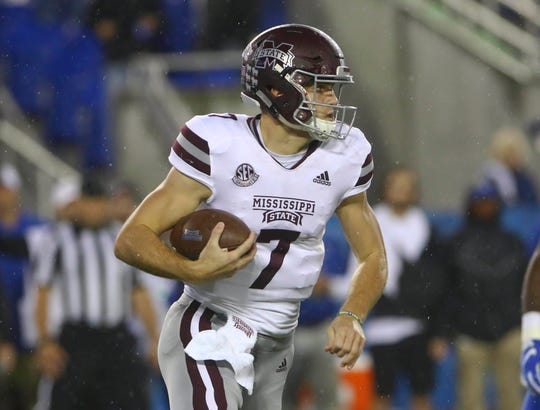 Sep 22, 2018; Lexington, KY, USA; Mississippi State Bulldogs quarterback Nick Fitzgerald (7) runs the ball against the Kentucky Wildcats in the first half at Kroger Field. Mandatory Credit: Mark Zerof-USA TODAY Sports