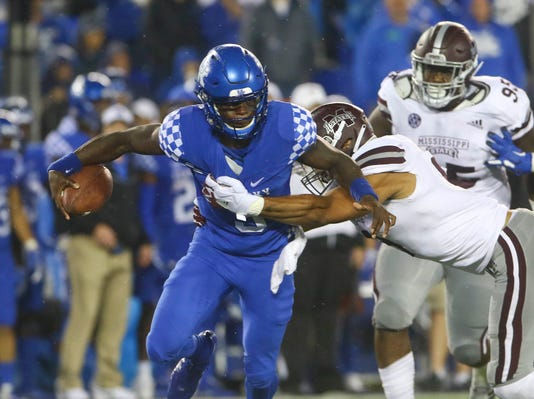 Ncaa Football Mississippi State At Kentucky