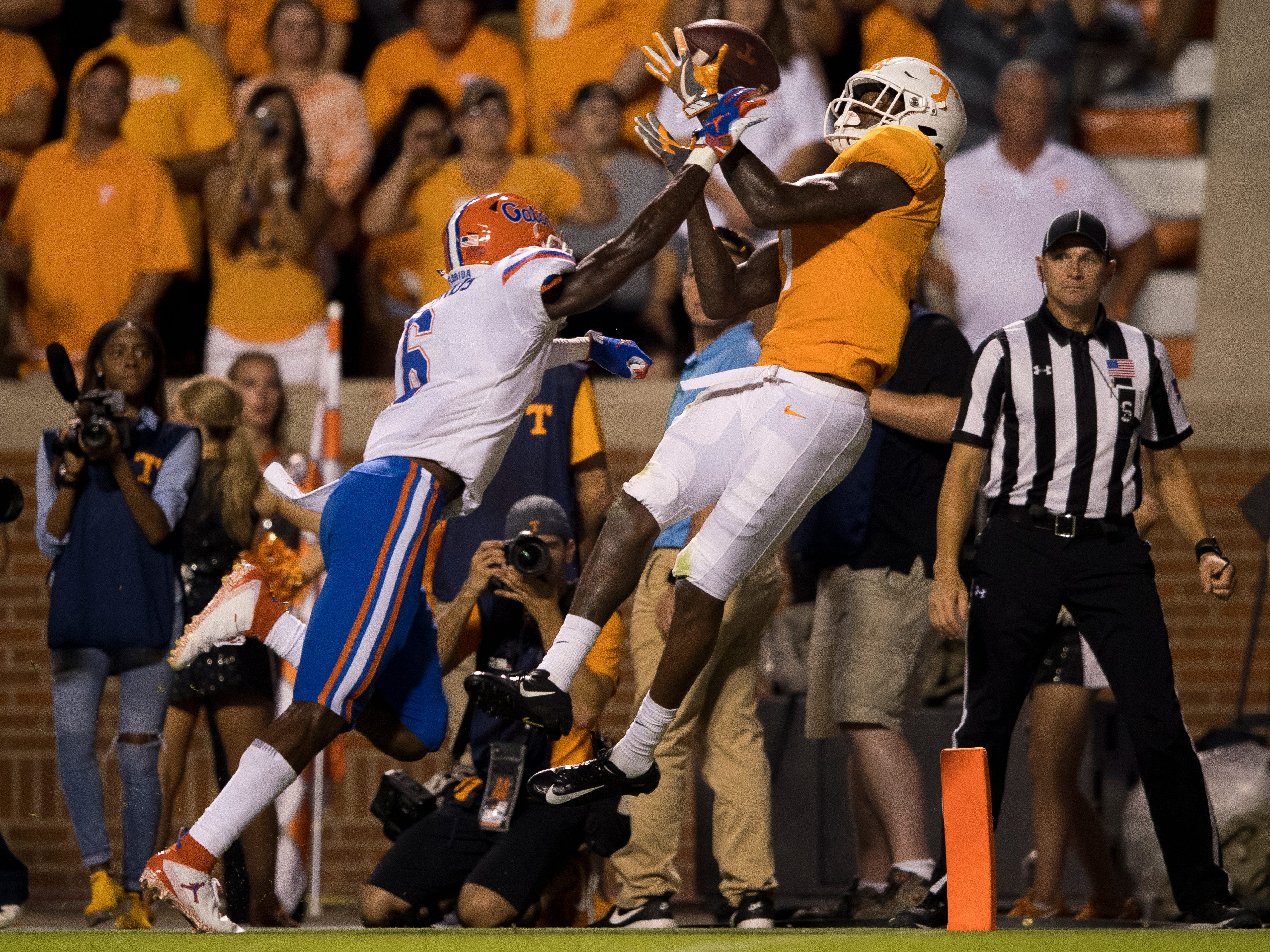 Tennessee wide receiver Marquez Callaway (1) fails to make a catch at the pylon during the Tennessee Volunteers' game against Florida in Neyland Stadium on Saturday, Sept. 22, 2018.
