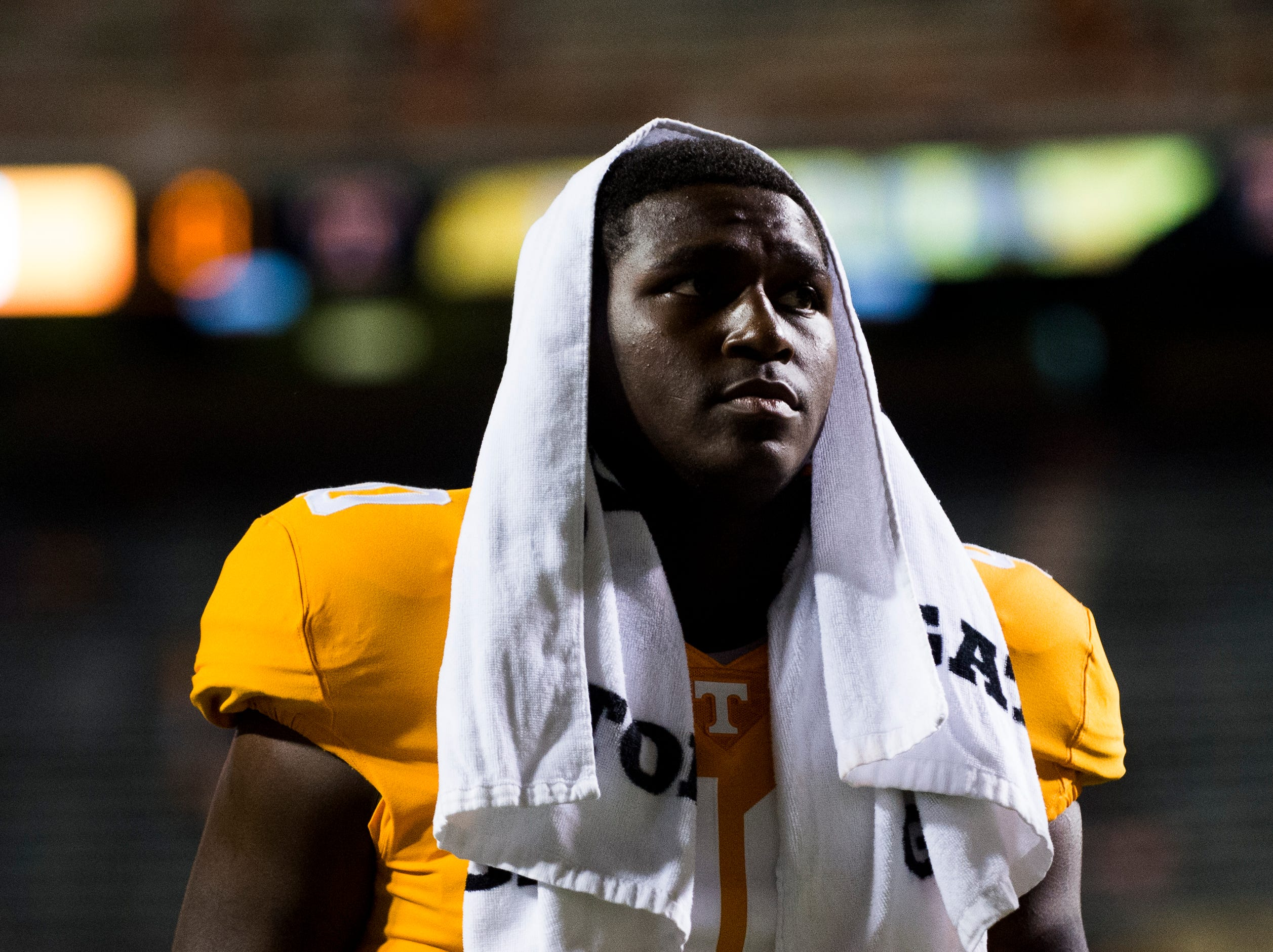 Tennessee linebacker JJ Peterson (40) walks off the field during a game between Tennessee and Florida at Neyland Stadium in Knoxville, Tennessee on Saturday, September 22, 2018.