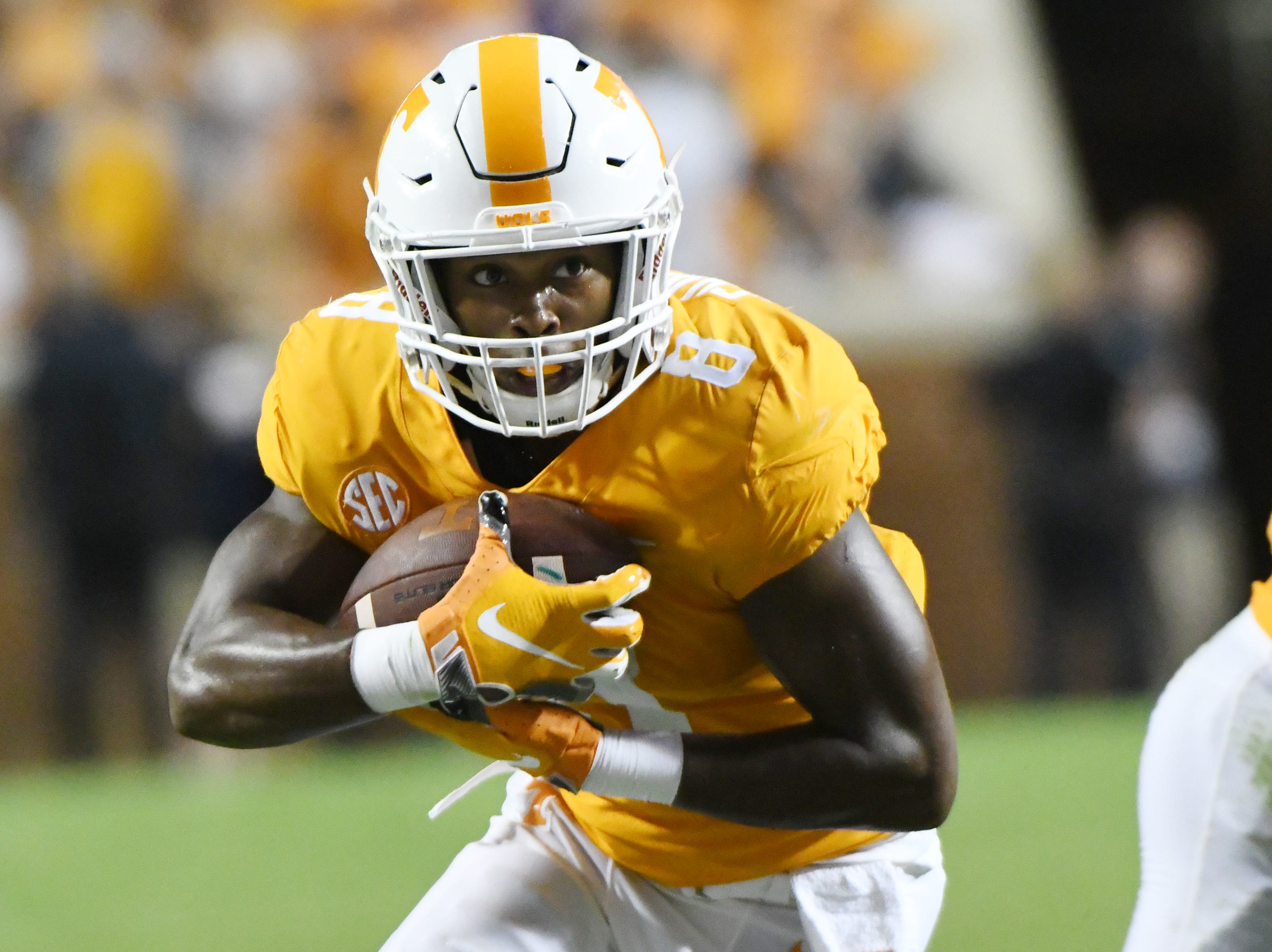 Tennessee running back Ty Chandler (8) runs the ball during a game between Tennessee and Florida at Neyland Stadium in Knoxville, Tennessee on Saturday, September 22, 2018.