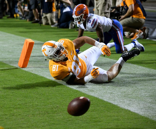 Tennessee tight end Austin Pope (81) fumbles the ball and flies out of bounds for a touchback during first half action against Florida in Neyland Stadium Saturday, September 22, 2018 in Knoxville, Tenn.
