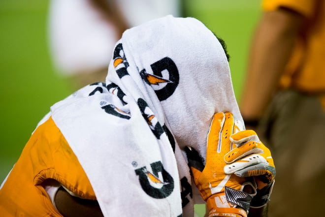 Tennessee wide receiver Jauan Jennings (15) sits on the sidelines towards the end of the game during a game between Tennessee and Florida at Neyland Stadium in Knoxville, Tennessee on Saturday, September 22, 2018.