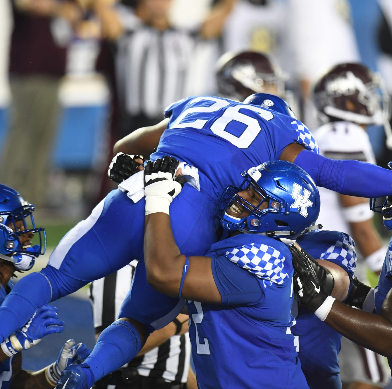 Kentucky football ranked in top 25 for the first time in over a decade