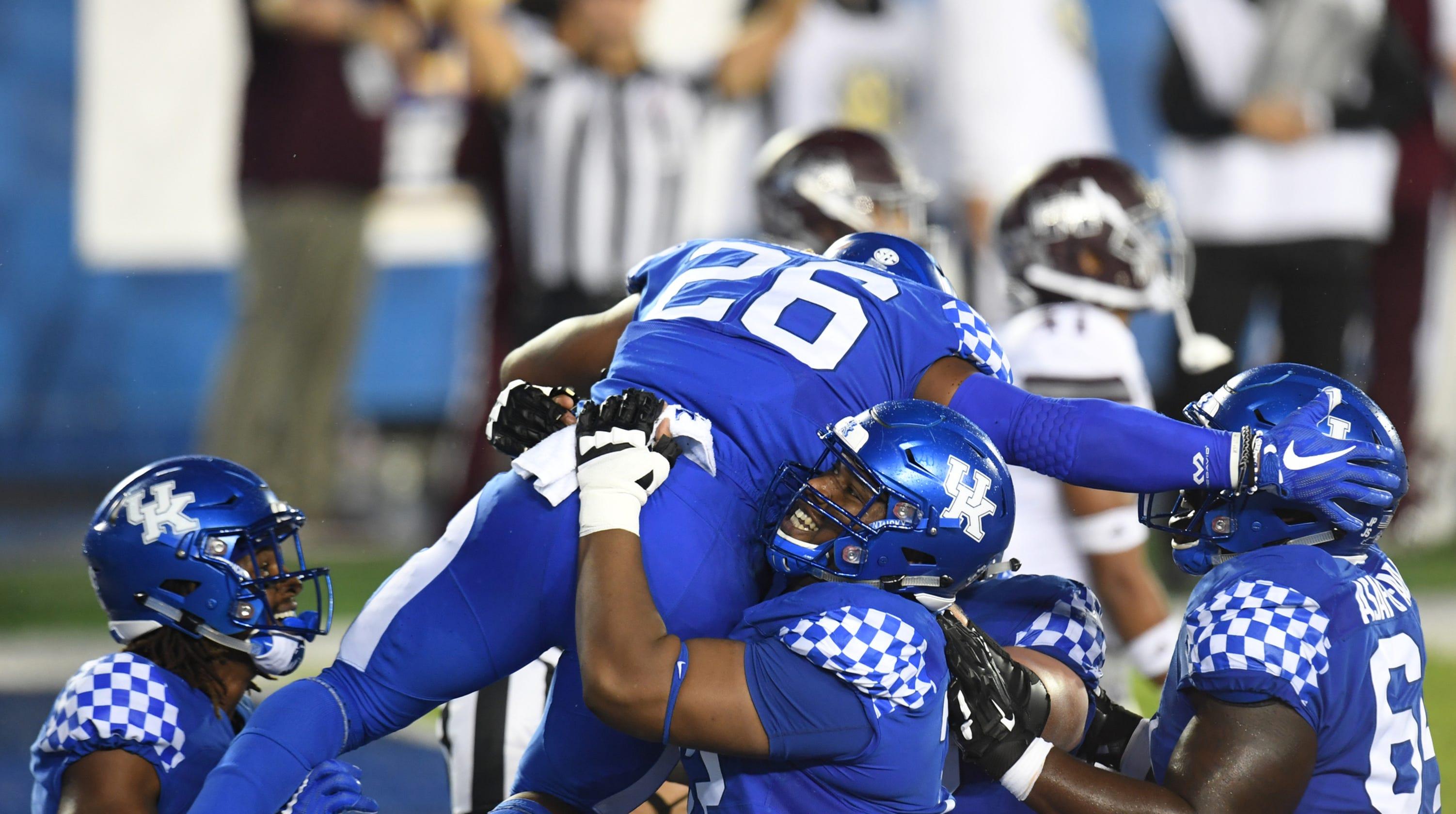 Kentucky football  Benny Snell ties career touchdowns record 40fa2fb1e
