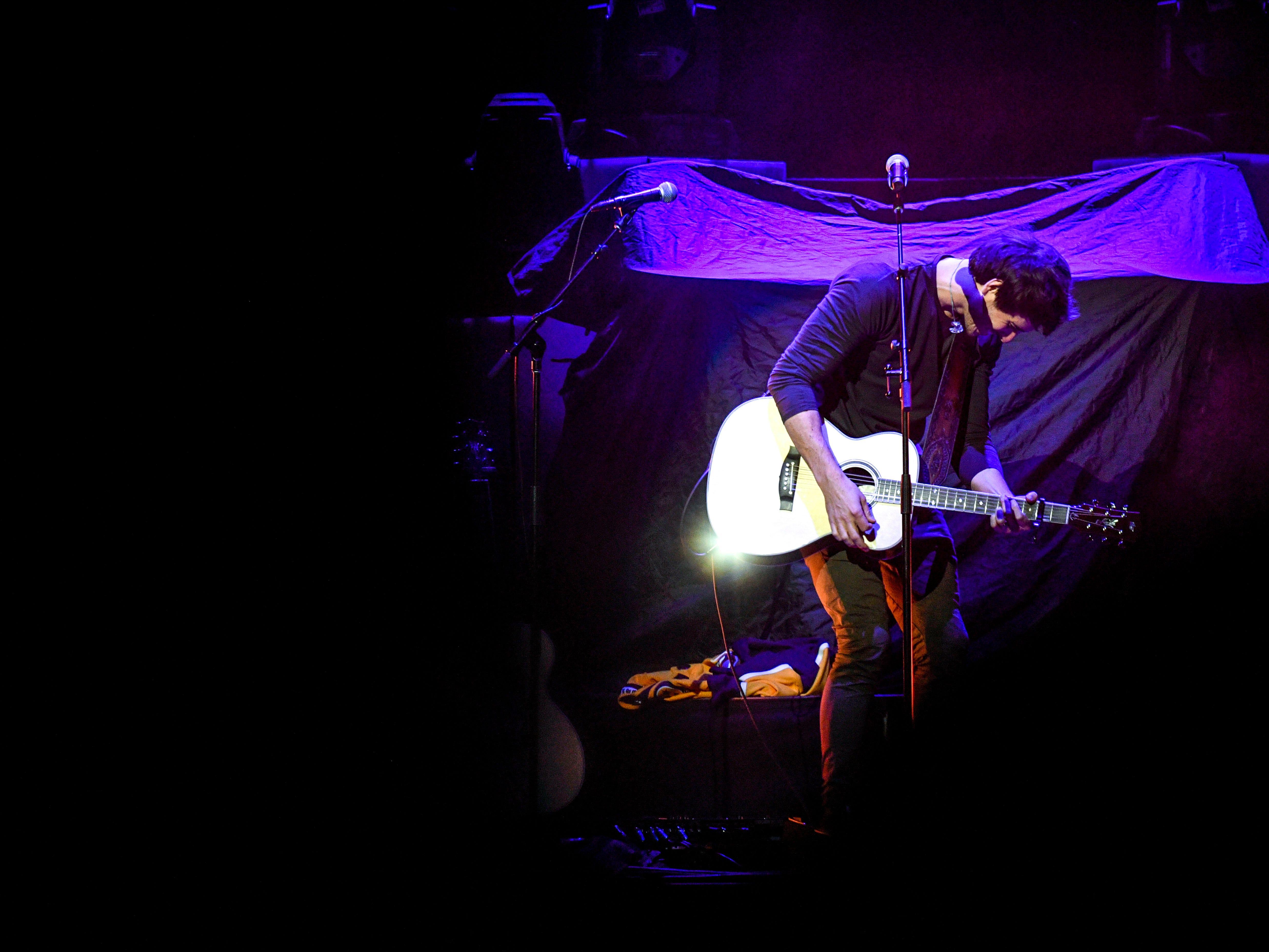 Morgan Evans performs as an opening act for Chris Young at Bridgestone Arena in Nashville, Tenn., Saturday, Sept. 22, 2018.
