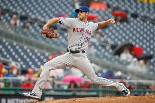 Sep 23, 2018; Washington, DC, USA; New York Mets starting pitcher Steven Matz (32) throws the ball during the first inning against the Washington Nationals at Nationals Park.