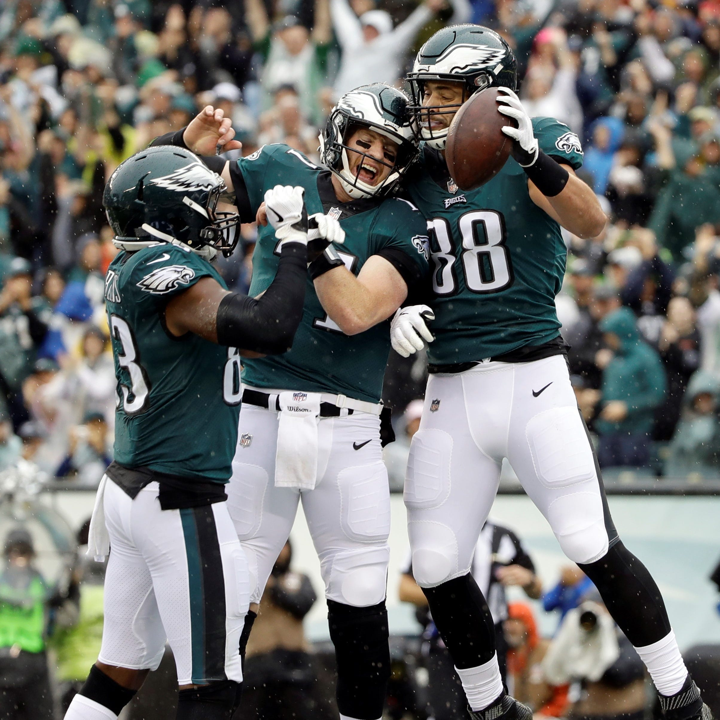 Carson Wentz, in his return to Eagles, leads Philadelphia to 20-16 comeback win over Colts