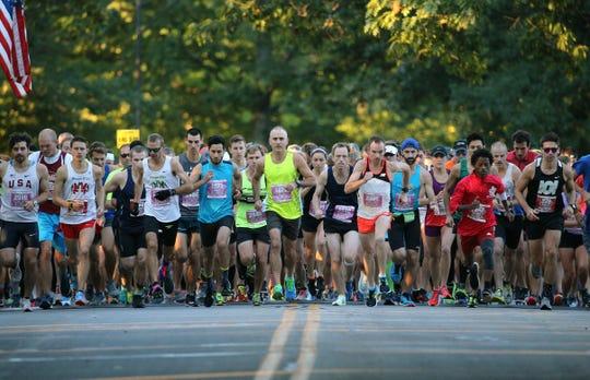 The start of the Rochester Marathon inMaplewood Park.