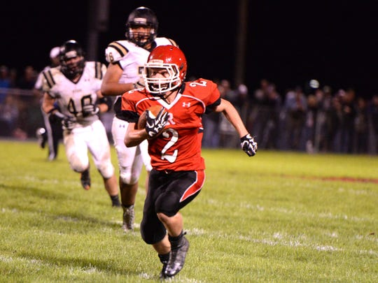 Riverheads' Devin Morris gets to the outside against the Buffalo Gap defense Saturday.