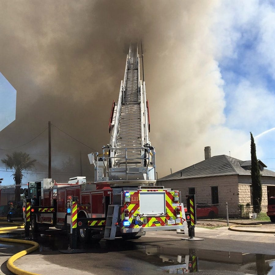 El Paso firefighters battle large fire Sunday at tire shop on Alameda Avenue near UMC