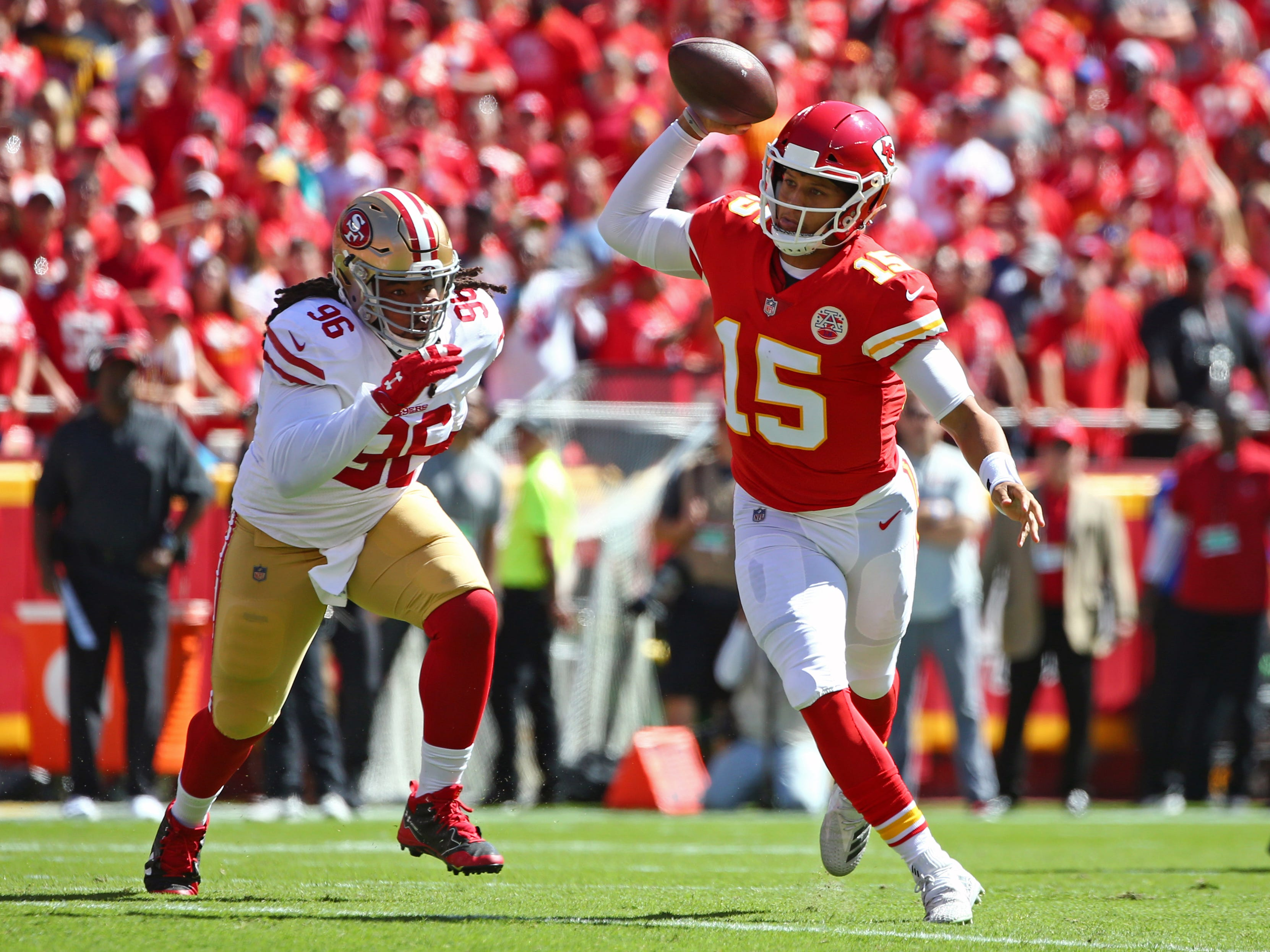 Patrick Mahomes breaks Peyton Manning's record for most TD passes in first three weeks