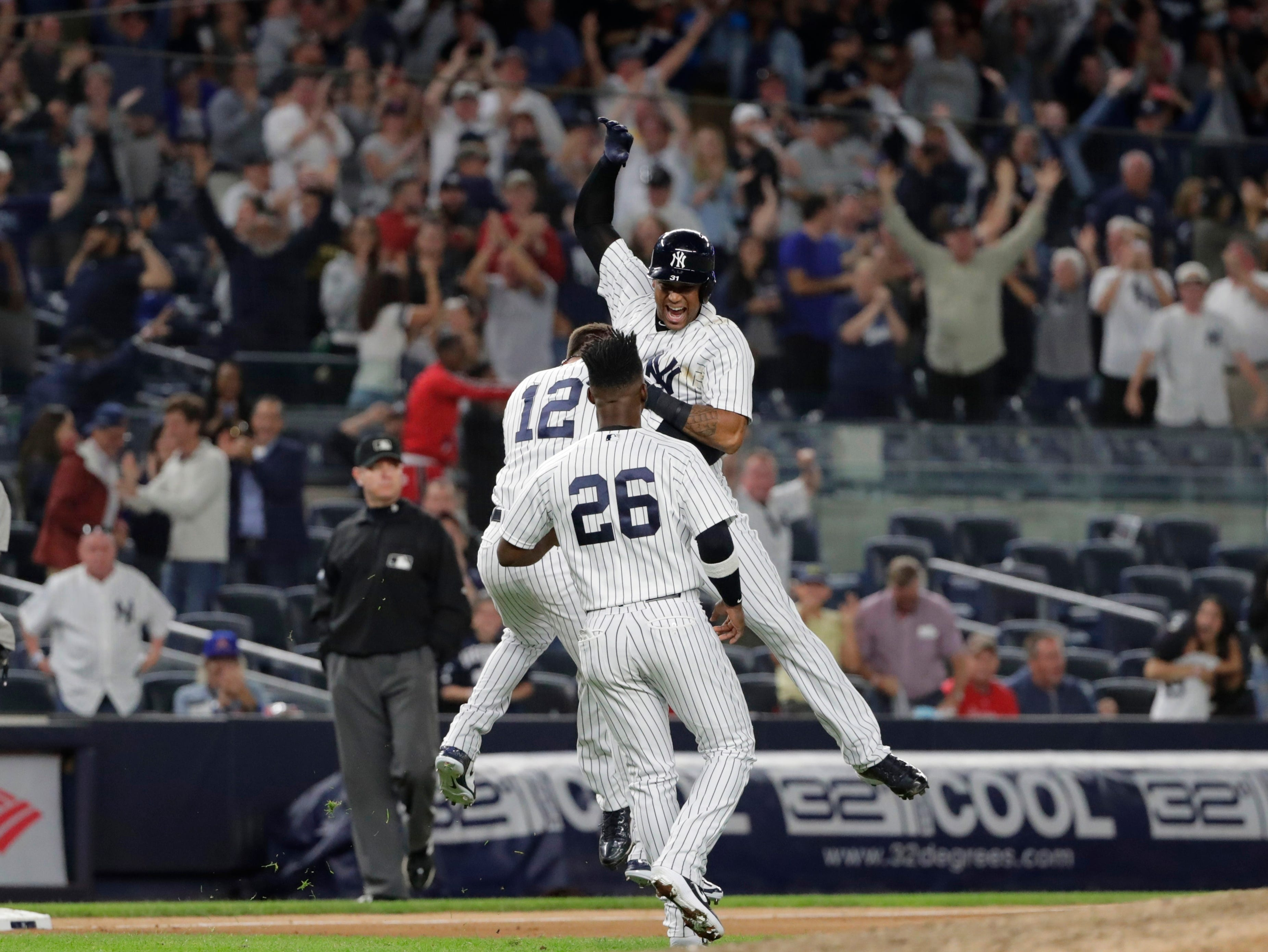 Mlb Wild Card Yanks And As Fighting For Home Field Advantage