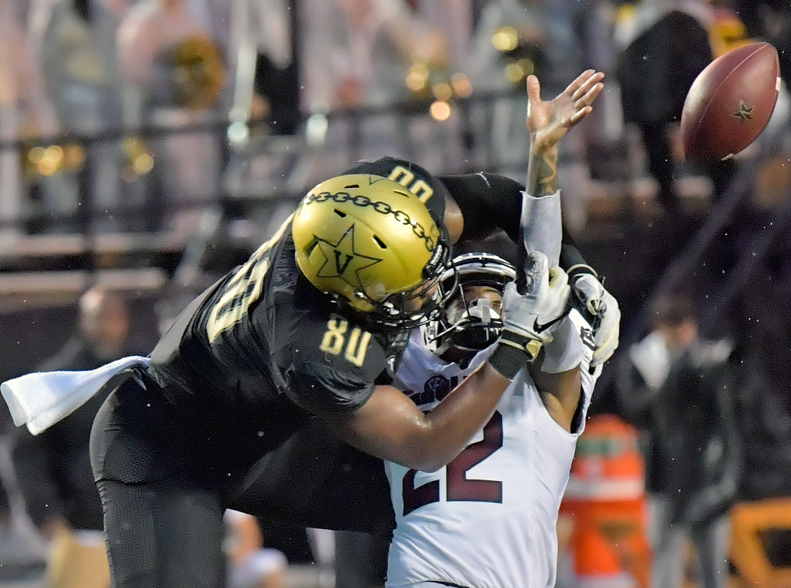 South Carolina Gamecocks defensive back Steven Montac (22) breaks up a pass intended for Vanderbilt Commodores tight end Jared Pinkney (80) during the second half at Vanderbilt Stadium.