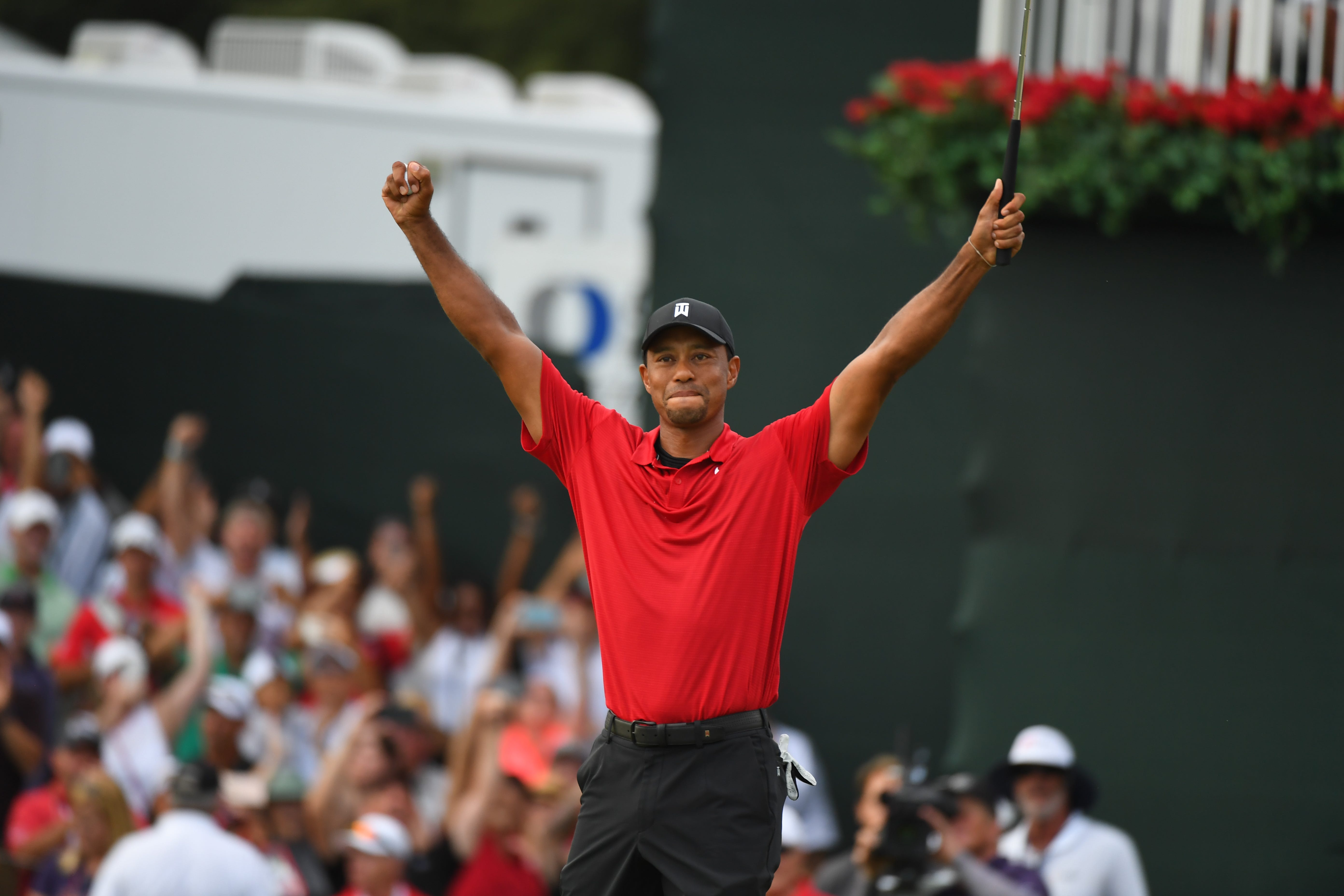 tiger woods wins tour championship for first title in five