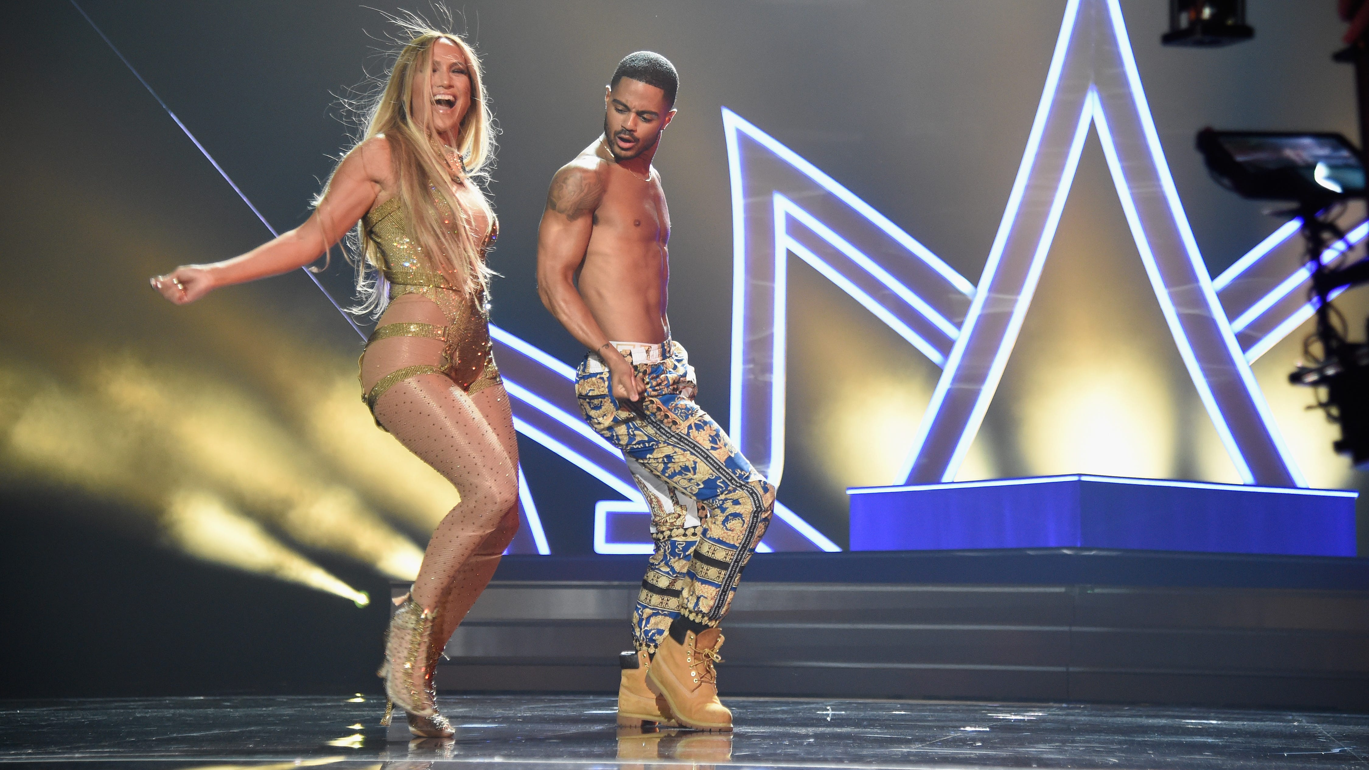NEW YORK, NY - AUGUST 20: Jennifer Lopez performs onstage during the 2018 MTV Video Music Awards at Radio City Music Hall on August 20, 2018 in New York City.  (Photo by Kevin Mazur/WireImage) ORG XMIT: 775211585 ORIG FILE ID: 1020399670
