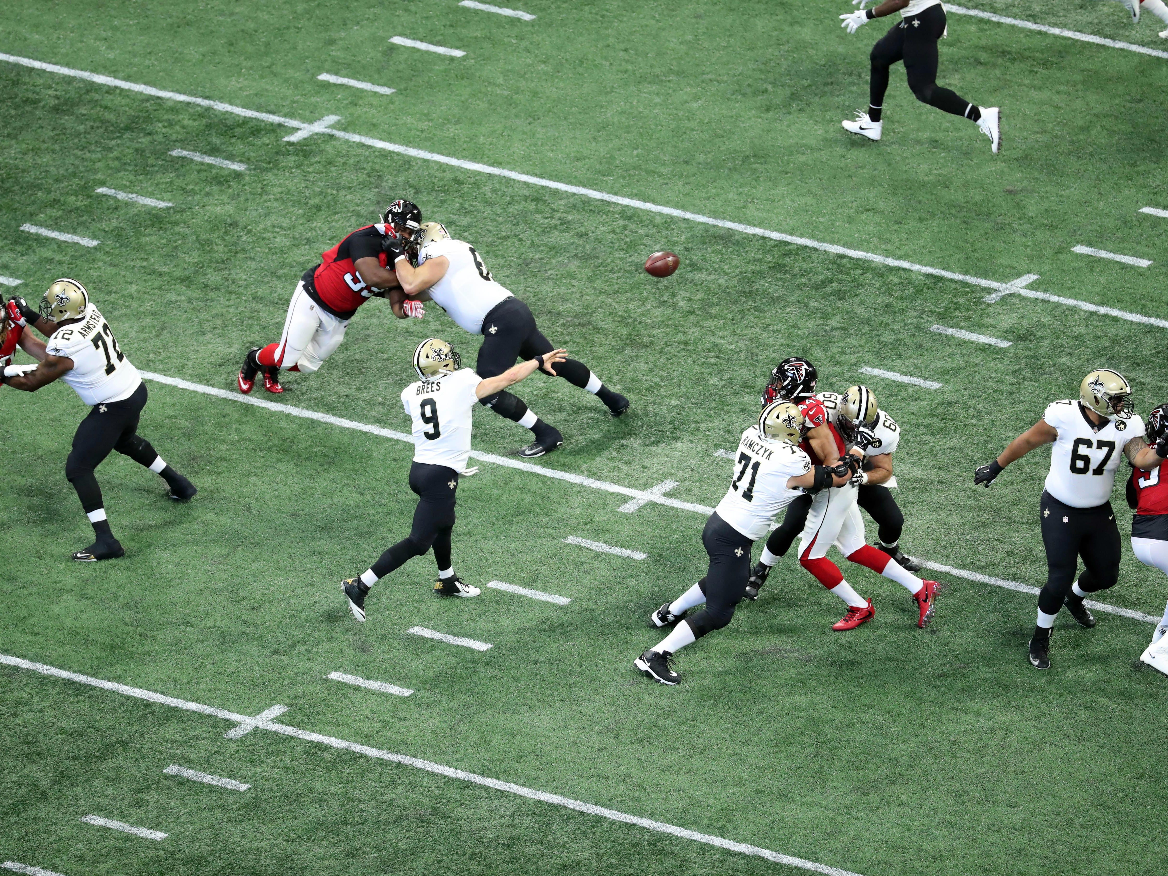 New Orleans Saints quarterback Drew Brees attempts a pass in the first quarter against the Atlanta Falcons at Mercedes-Benz Stadium.