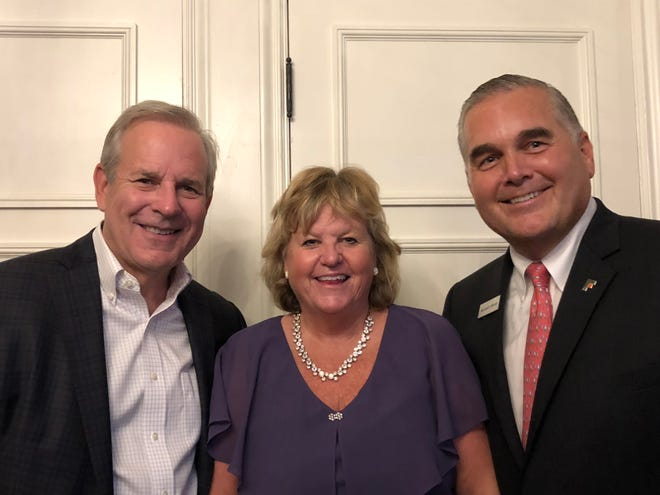 L-r, The Community House Board Chair, Rob Farr, Laurie Farr, and The Community House President/CEO, William Seklar at SIP
