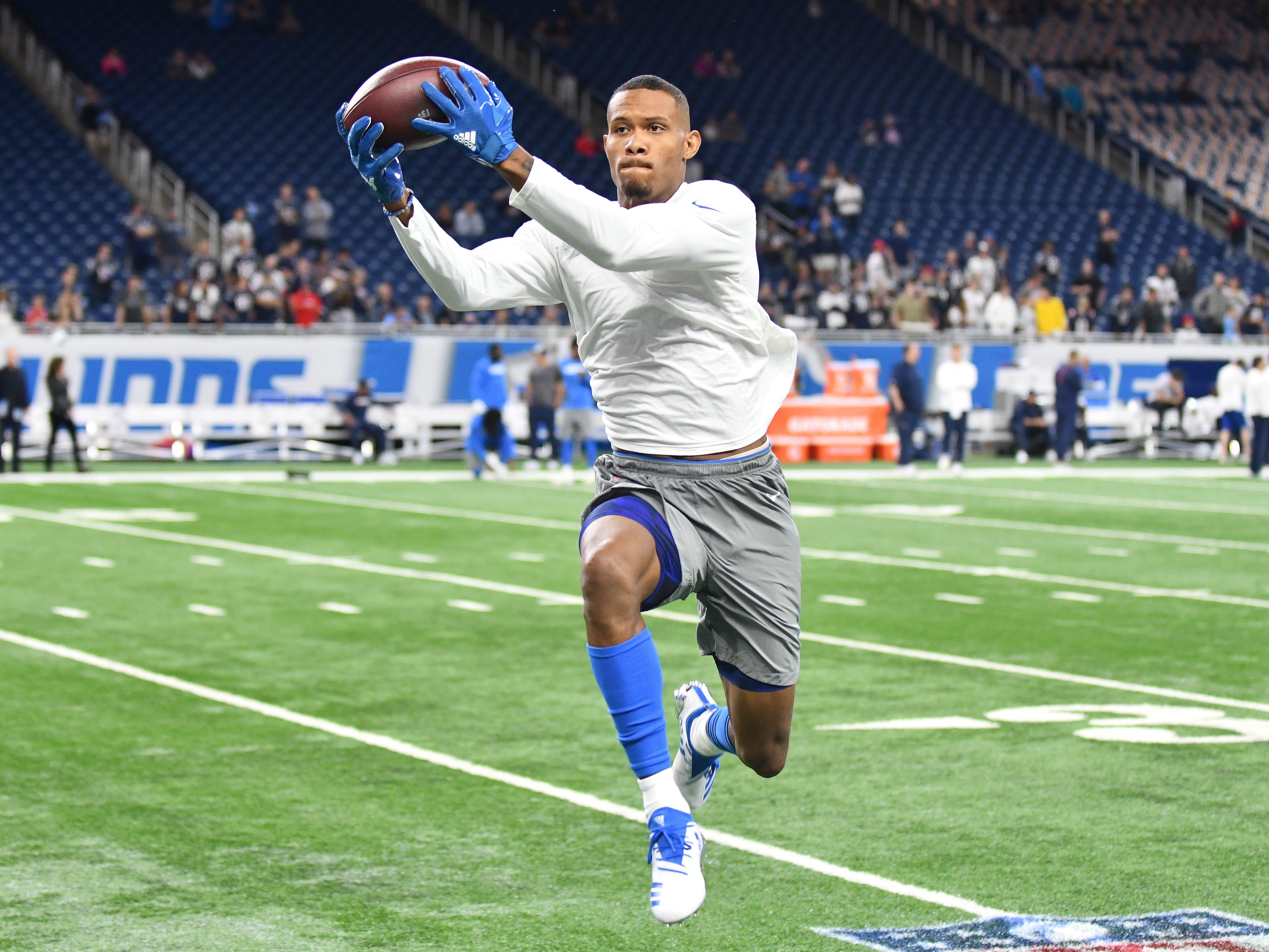 Lions wide receiver Kenny Golladay pulls in a reception during warmups. NFL Detroit Lions vs. New England Patriots art Ford Field in Detroit, Michigan on September 23, 2018.