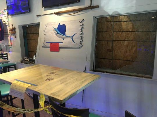 Fins Seafood & Dive Bar remains open after crash