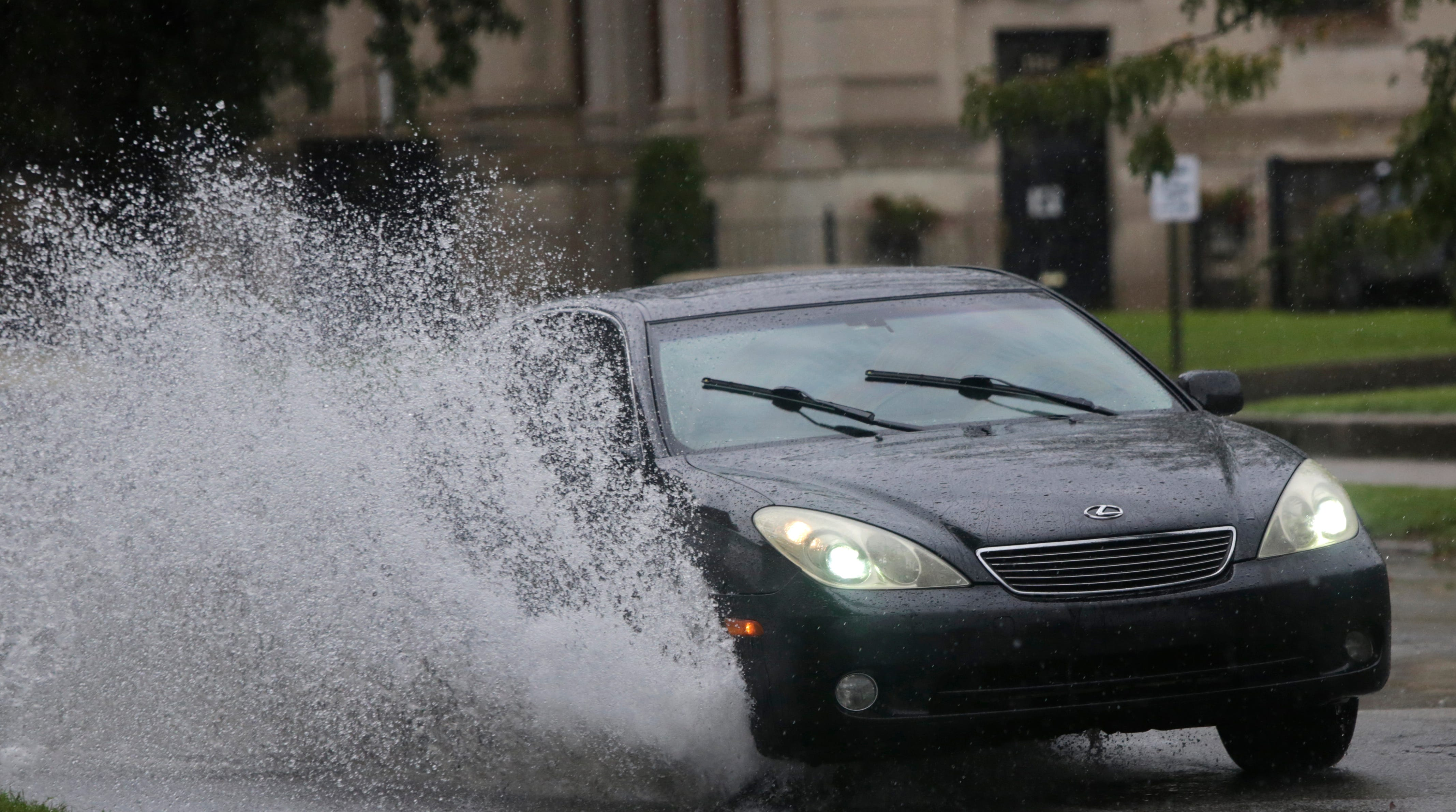 Study confirms what we all knew: Kentuckians can't drive in the rain