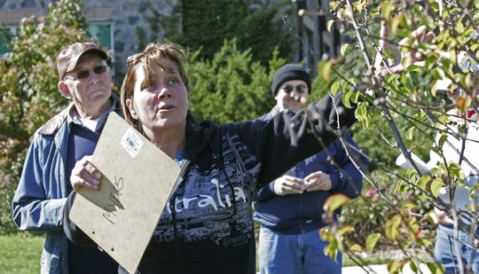 Gardening expert Melinda Myers leads a Fall garden walk through the Boerner Botanical Garden.