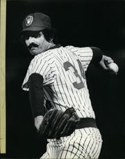 Brewers reliever Rollie Fingers delivers a pitch in 1981.
