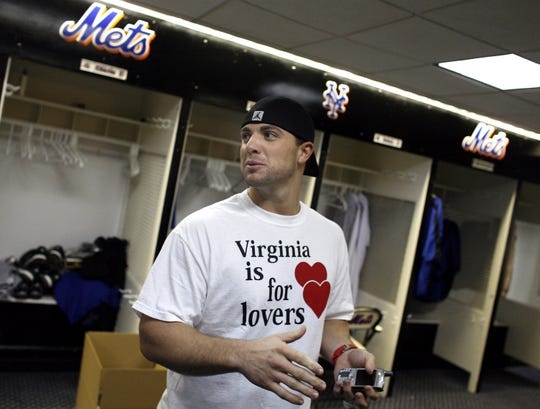 Mets third baseman David Wright arrives to clean out his locker at Shea Stadium Friday, Oct. 20, 2006 in New York.  The Mets were eliminated from the National League Championship Series Thursday night after losing Game 7 to the St. Louis Cardinals, 3-1.    (AP Photo/Jason DeCrow)