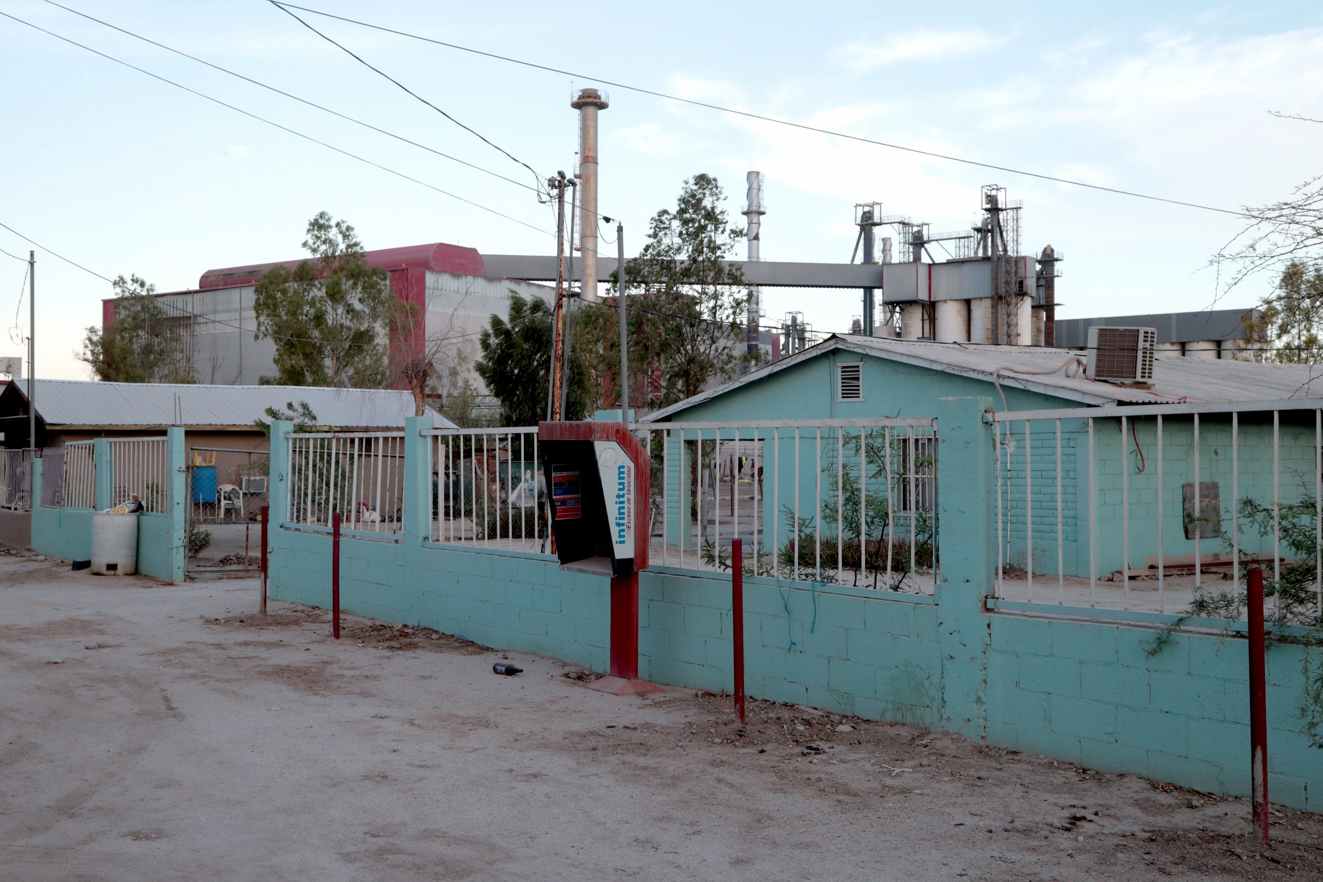 The Fábrica de Envases de Vidrio (Fevisa) factory manufactures glass bottles in Ejido el Choropo, south of Mexicali. The company says it treats some of the city's sewage and uses it in its processes. The company says it does not discharge any industrial wastewater.
