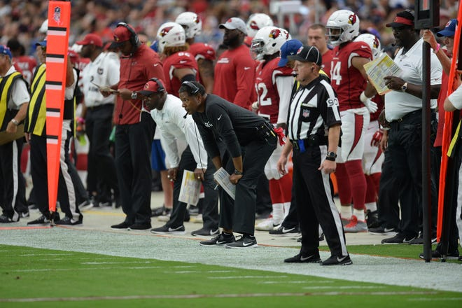 Arizona Cardinals head coach Steve Wilks looks on against the Chicago Bears during the second half at State Farm Stadium.