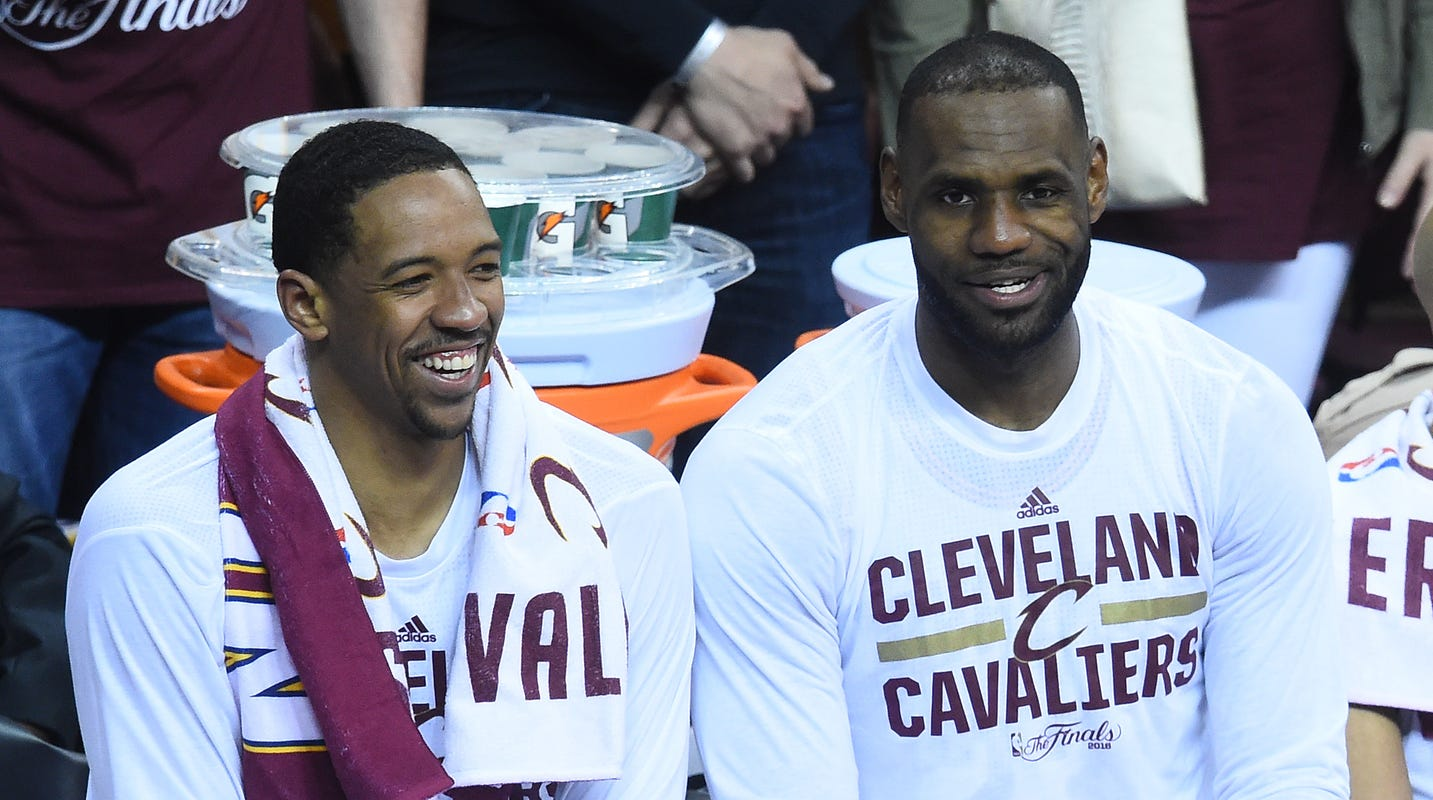 93bdf6591ac3 Channing Frye takes LeBron James  old Cleveland Cavaliers locker